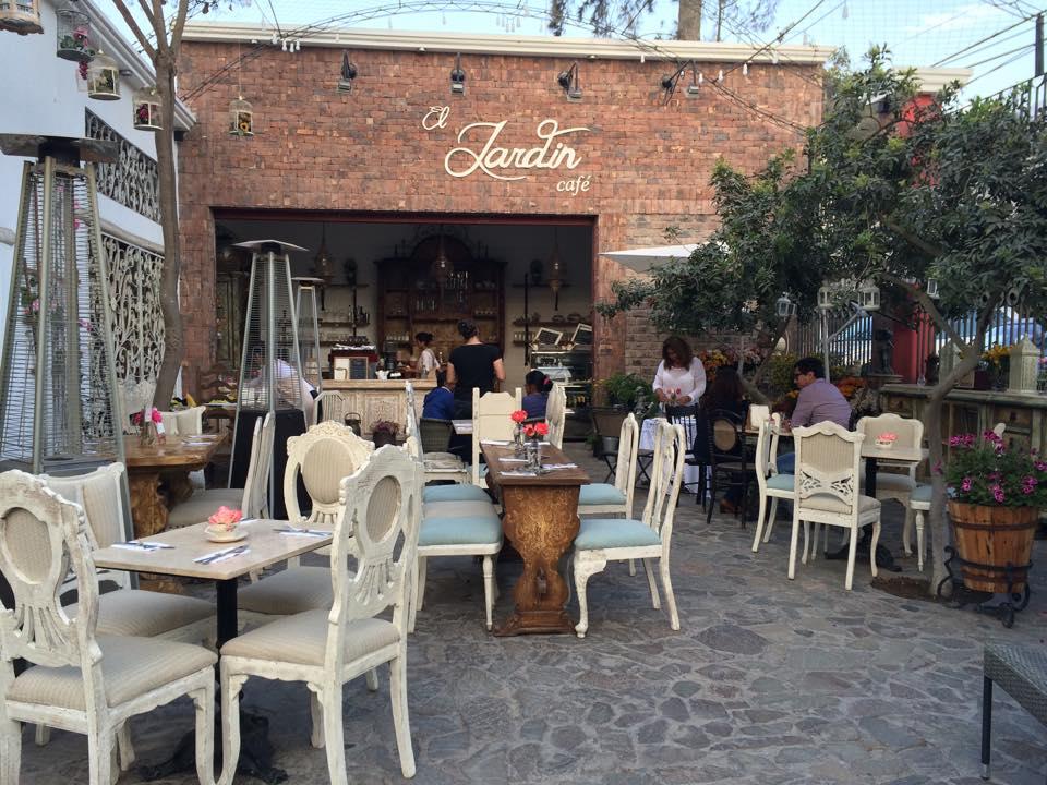 El jard n caf vivero caf cieneguilla for Viveros en lima