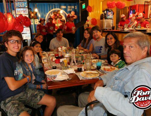 Tom Davis – All you can eat   Restaurante Miraflores
